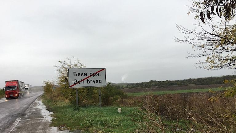 Byn Beli Brjag ligger på kolgruvans område och alla invånarna måste flytta.
