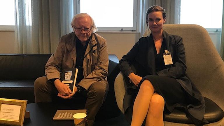 """Göran Therborn, författare till """"""""Kapitalet, överheten och alla vi andra"""" och Karin Svanborg-Sjövall, vd för den liberala tankesmedjan Timbr"""