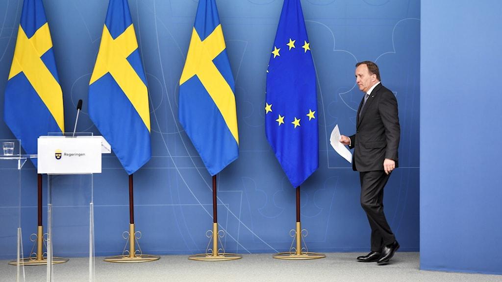 Statsminister Stefan Löfven (S)  lämnar riksdagen efter dagens misstroende omröstning. Statsminister Stefan Löfven (S) förlorade misstroendeomröstningen i riksdagen.