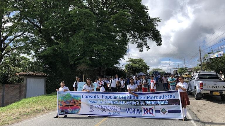 Den lilla staden Mercaderes i sydvästra Colombia röstade nej till all gruv- och oljeutvinning i en folkomröstning den 3 augusti i år.