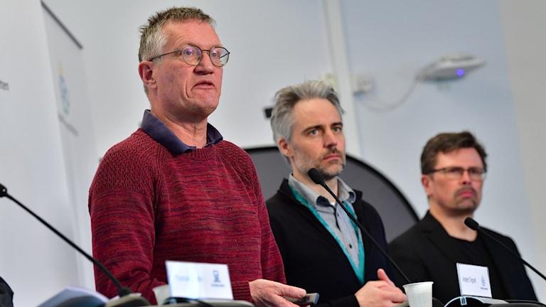 Statsepidemiolog Anders Tegnell, Anders Wallensten Folkhälsomyndigheten och Svante Werger, MSB vid torsdagens pressträff på Folkhälsomyndigheten gällande coronaviruset.