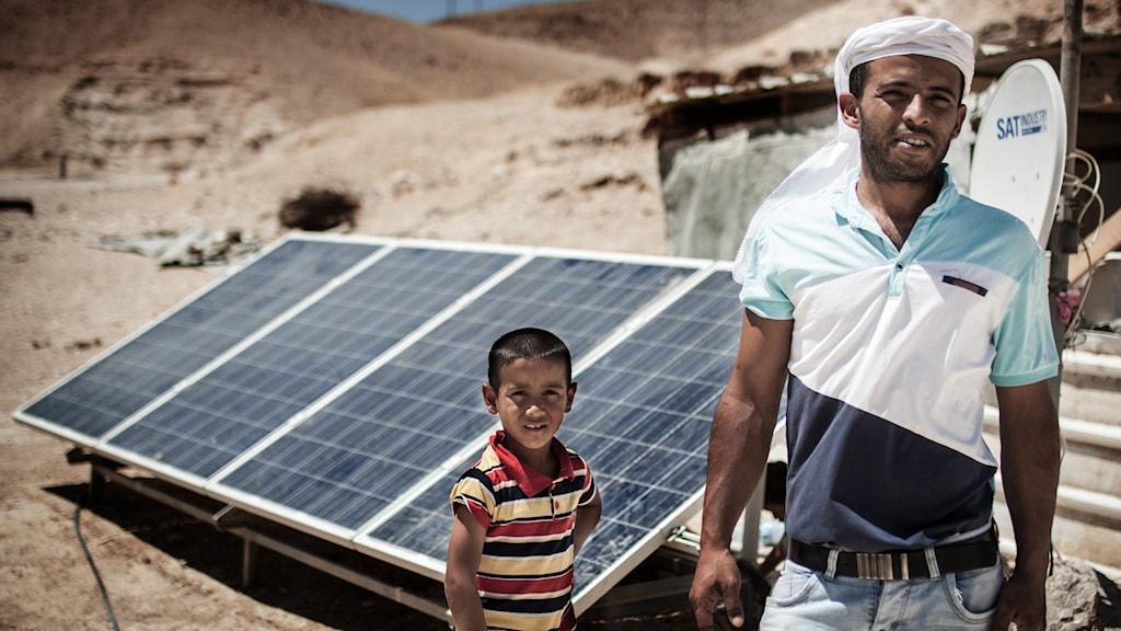 Jameel Hamadeen är talesperson för beduinbyn Sateh al-Bahr, där en förskola nyligen rivits av de israeliska myndigheterna.