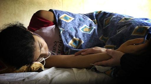 Apatiska flyktingbarn finns fortfarande - Studio Ett | Sveriges Radio