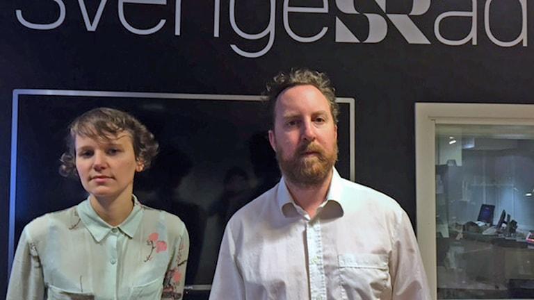 Uje Brandelius, musiker drabbad av Parkinsson sätter upp självbiografisk popmusikföreställning och Iris Viljanen kompar på piano