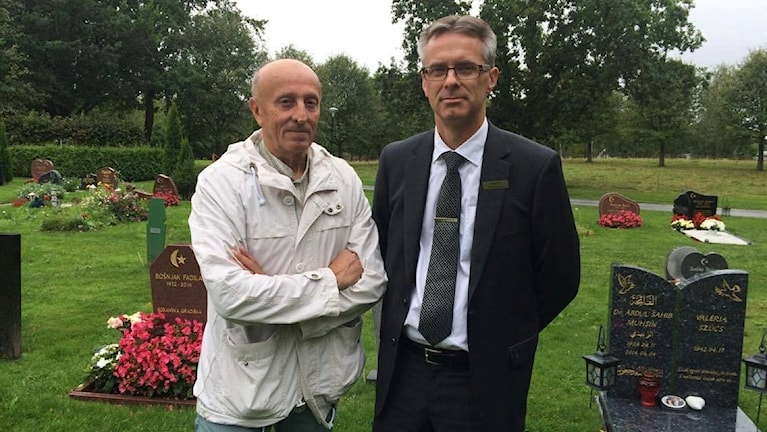 Hazim Gurda är imam på Bosninska islamiska församlingen i Örebro. Peter Andersson är kontorschef på begravningsbyrån Fonus i Örebro.
