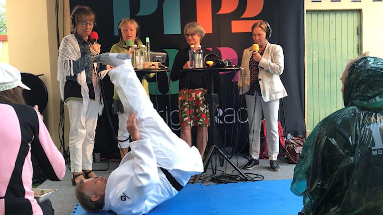 Sabine Sten, Uppsala Universitet, Kristiina Pekkola, Svenska Judoförbundet, och Peter Nyvall, som demonstrerade fallövningar i Studio Ett.