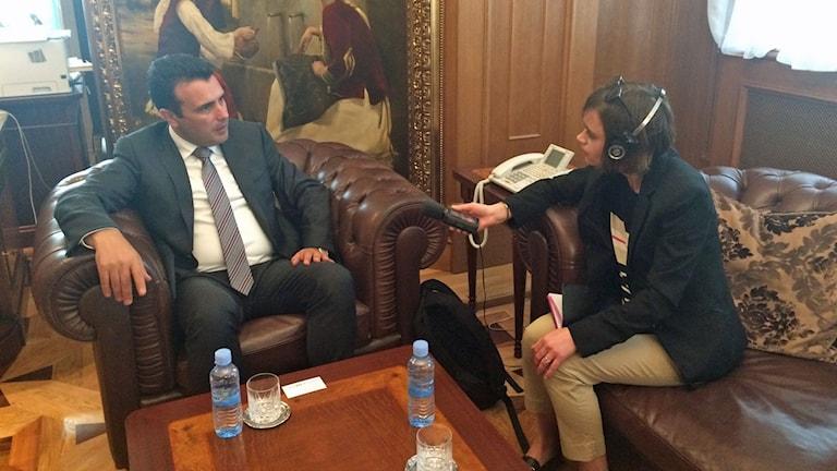 Makedoniens nya premiärminister Zoran Zaev intervjuas av Sveriges radios korrespondent Johanna Melén.