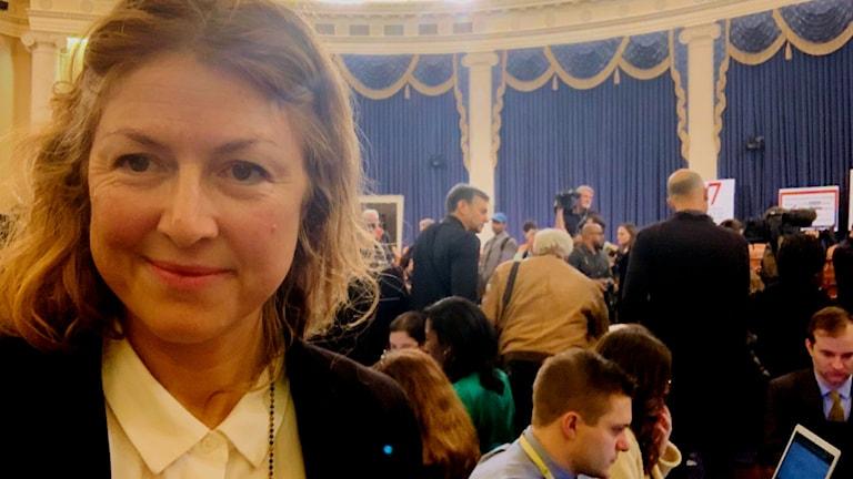 Ekot på plats när Usas Euambassadör Gordon Sondland vittnar om sin roll i Ukrainahärvan och vad han vet om presidentens.