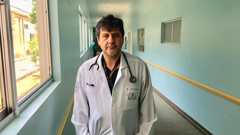 Det här är en internationell kris nu anser infektionsläkaren Joel Gonzaga de Souza i Boa vista.