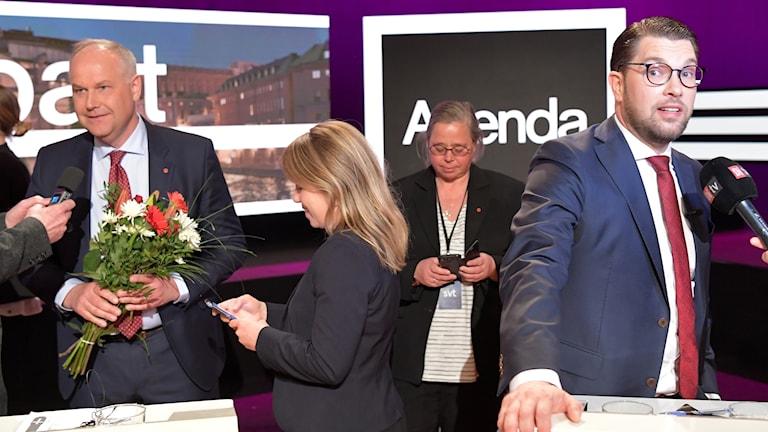 Vänsterpartiets partiledare Jonas Sjöstedt och Sverigedemokraternas partiledare Jimmie Åkesson.