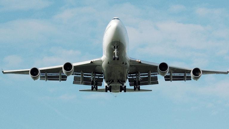 Hälften av riksdagspartierna vill se skatt på flygbränsle