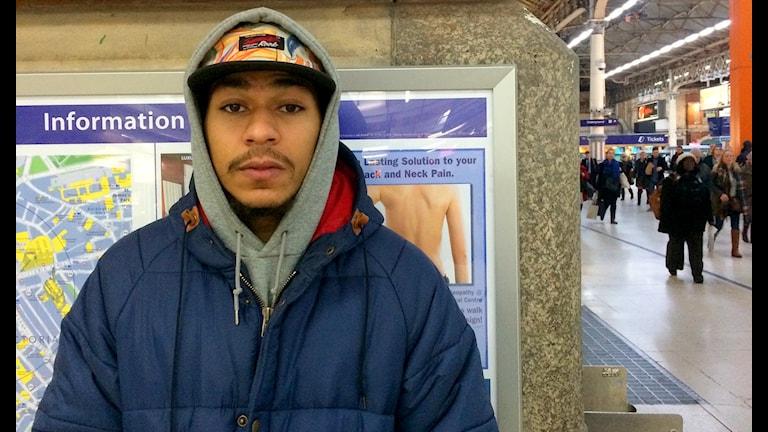 "Londonpolisens ""stop and search"" i tunnelbanan och street art groupies"