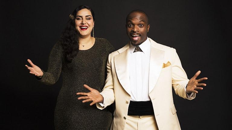 Det blir Kodjo Akolor och Tina Mehrafzoon som tar hand om P3 Guld-galan. Foto: Sveriges Radio