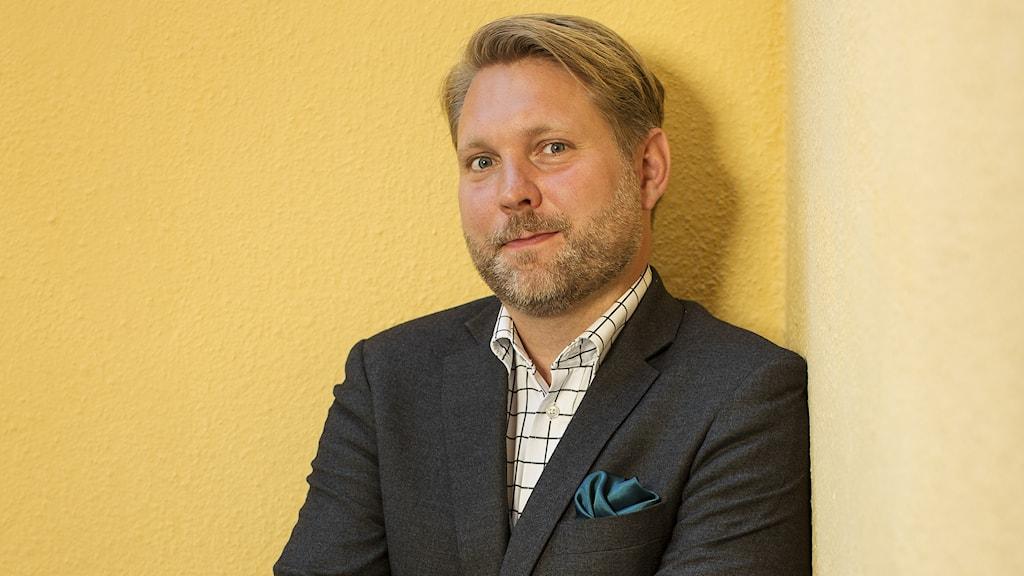Ekonomicoachen Charlie Söderberg tipsar om att hålla sig borta från gallerior nu i januari. Foto: Balansekonomi