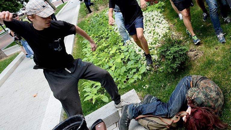 En gayaktivist blir attackerad i Moskva, juni 2013