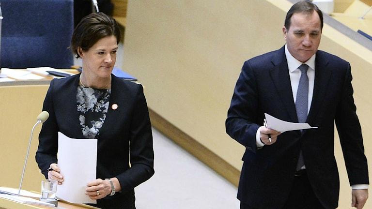 Anna Kinberg Batra och Stefan Löfvén under dagens partiledardebatt.