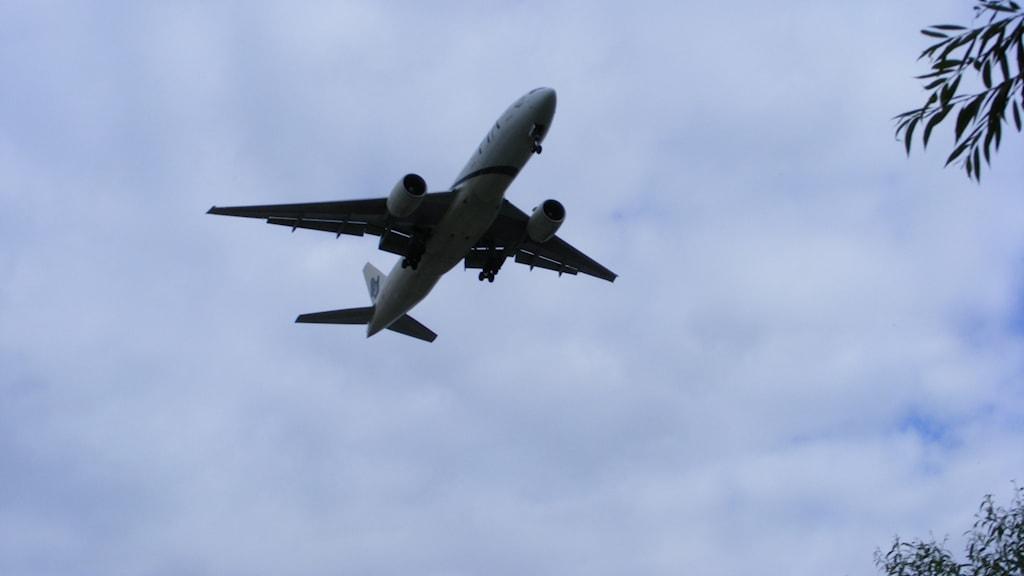 Flygplan som landar. Foto: Plane landing at Heathrow, Andrew Wilkinson (flickr.com/photos/andrew_j_w/) licens CC BY-SA 2.0