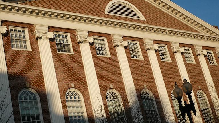 """Harvard University förbjuder lärare att ligga med elever Bild: """"Harvard University Campus"""" av First Daffodils, (https://www.flickr.com/photos/ispring/) LICENS (CC BY-SA 2.0)"""