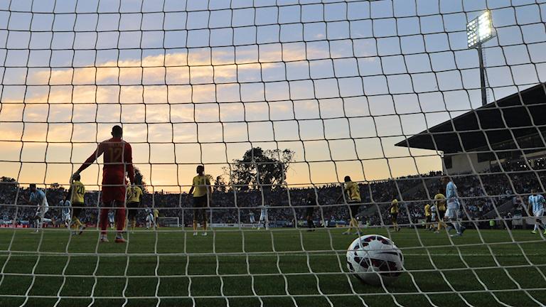 Bild på ett fotbollsmål. Foto: Luis Acosta/TT