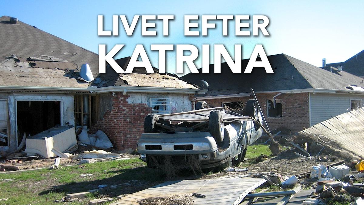 En bil som vänts upp- och ner av orkanen Katrina i New Orleans 2005