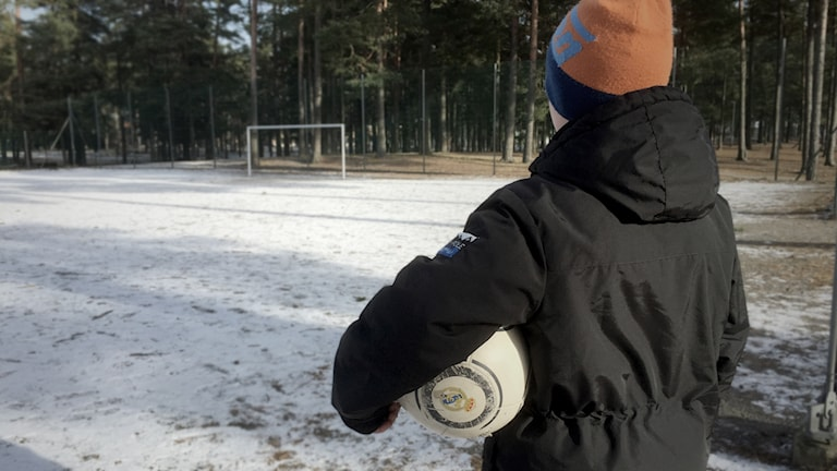 Tima, 10, fick inte spela fotboll i Haninge eftersom att han inte kunde svenska