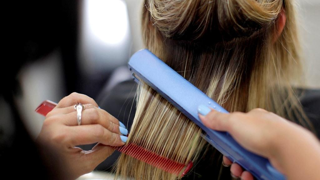 النساء يدفعن اكثر من الرجال ثمنا لحلاقة الشعر - رادیو السوید radio