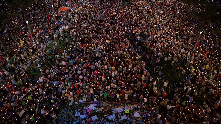 Många sörjer efter massakern i Orlando.