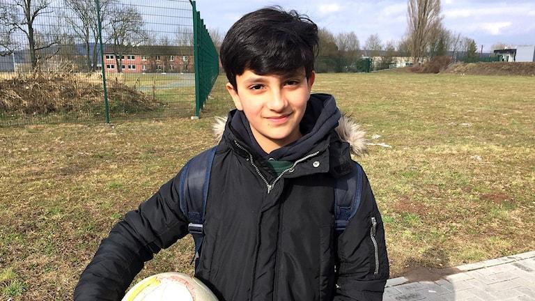 11-årige Sahel har levt tio månader ensam i Tyskland sedan han splittrades från sin familj.