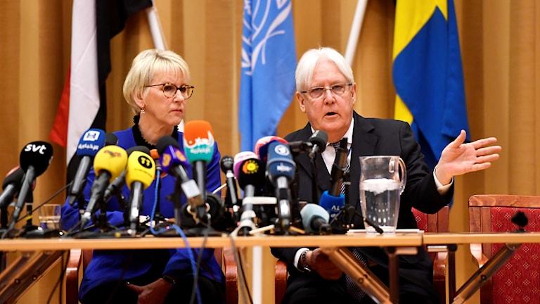 Utrikesminister Margot Wallström och FN:s Jemensändebud Martin Griffiths.