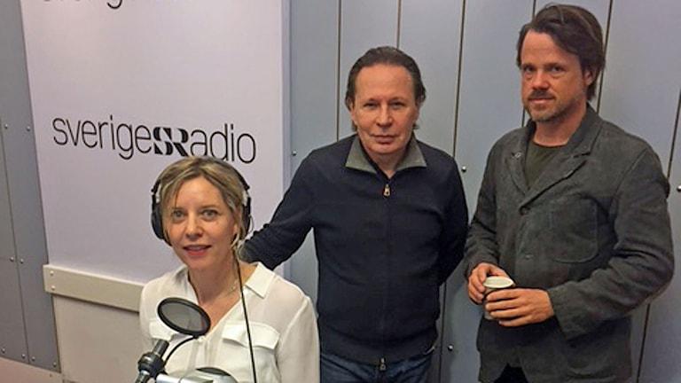 Reine Brynolfson och Jens Assur berättar om filmen Korparna. Foto: Frida Sjölander/Sveriges Radio.