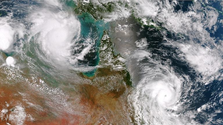 Cyklon som drog in över Australien 2015.