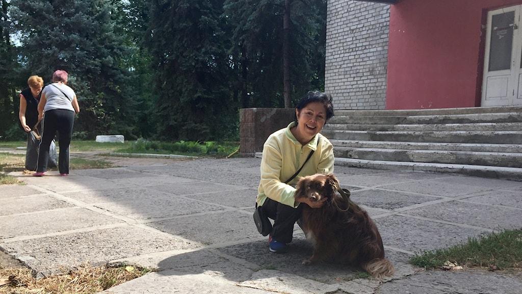 Anna Kretova och hunden Katja