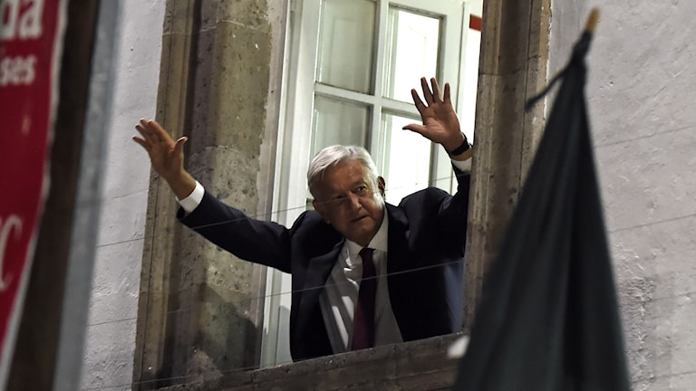 Andres Manuel Lopez Obrador ser ut att vinna presidentvalet i Mexiko.