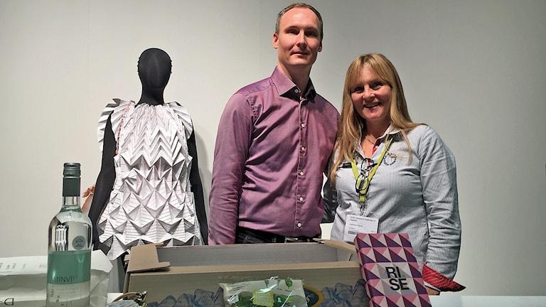 Olof Nyström, förpackningsnätverket Packbridge, och Catherine Löfgren, forskningsinstitutet Rise.