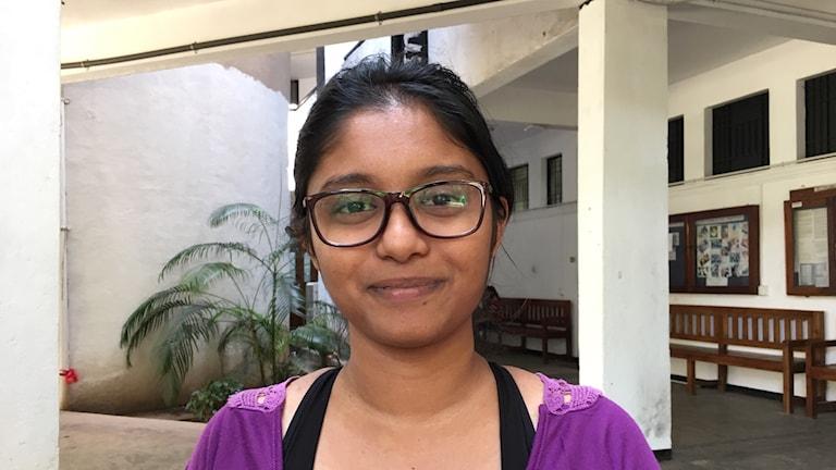 Hiranyada Dewasiri läser engelska på Colomobo universitet.