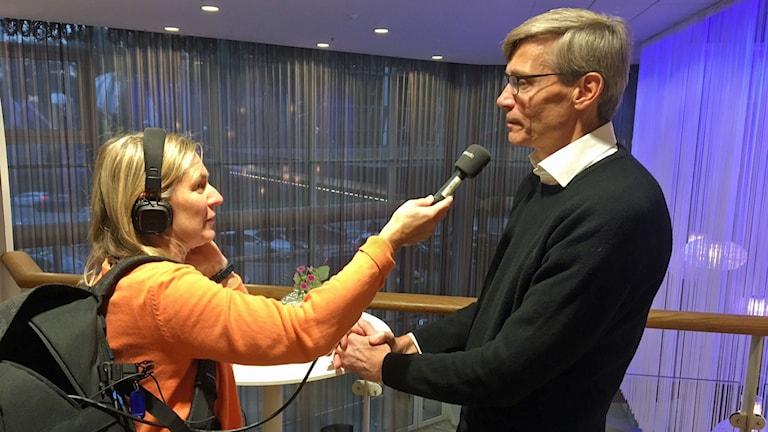 Ekots Carina Holmberg tillsammans med Per Svensson.