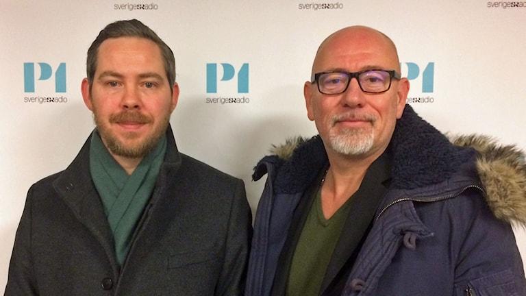 Eric Rosén, chefredaktör på vänstersajten Politism och Varg Gyllander, presschef på Stockholmspolisen.