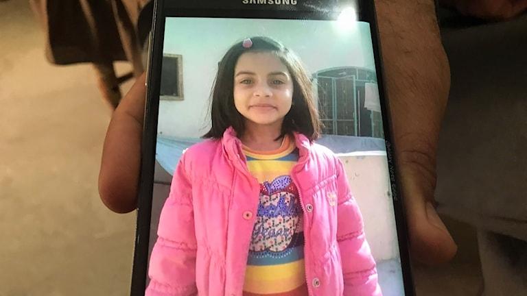 Sista bilden som togs på Zainab innan hon mördades.