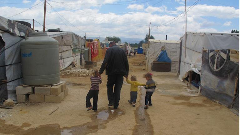 Flyktingläger i Libanon nära gränsen mot Syrien. Foto: Katja Magnusson/Sveriges Radio