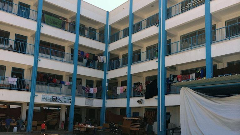 Aufgehängte Wäsche von Flüchtlingen in einer Schule in Gaza (Foto: Cecilia Uddén/Sveriges Radio)