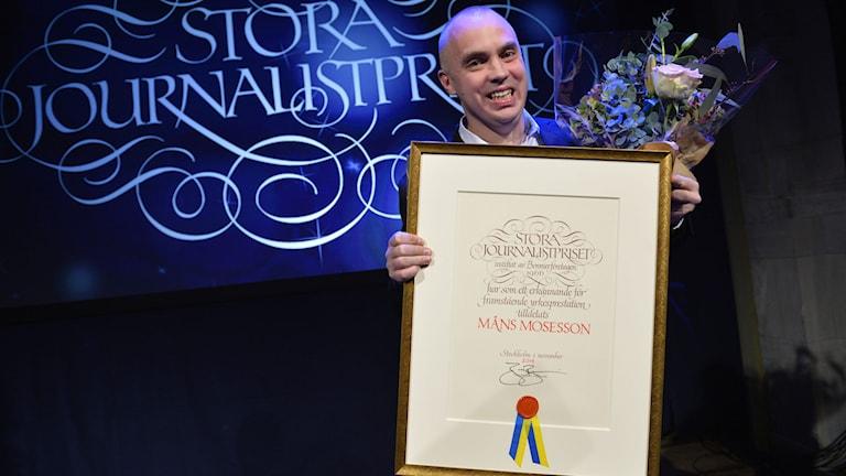Måns Mosesson vinner priset 'Årets berättare'. Foto: Henrik Montgomery/TT