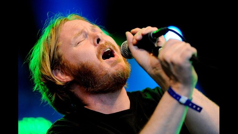 Mattias Alkberg. Han sjunger.  Foto: Erik Mårtensson/SCANPIX