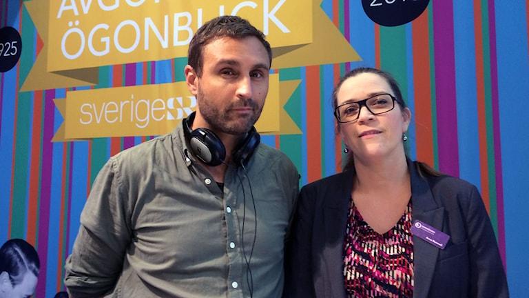 Programledare Johar Bendjelloul och medieforskare Anna Roosvall. Foto: Carina Holmberg/Sveriges Radio