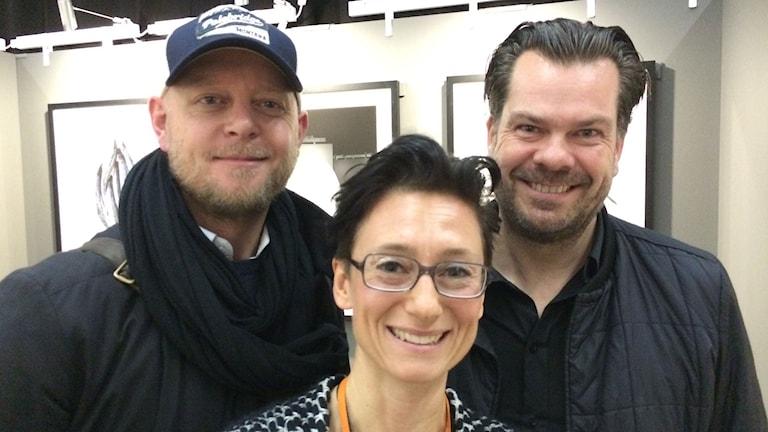 Pieter ten Hoopen, fotograf, Magnus Skoglöf, matfotograf och Sveriges Radios reporter Marie Nilsson Boij. Foto: Sveriges Radio