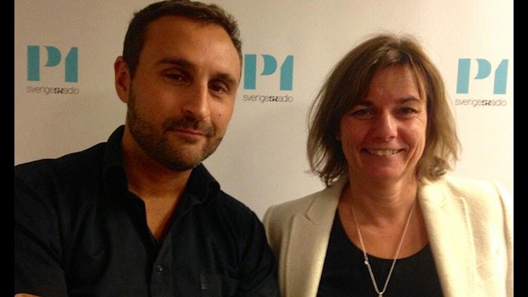 Johar Bendjelloul, programledare och Isabella Lövin, biståndsminister (MP). Foto: Ausi Petrelius/Sveriges Radio