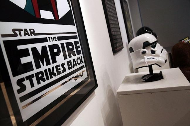 Star Warshjälm och från auktion. Foto: Spencer Platt/Scanpix