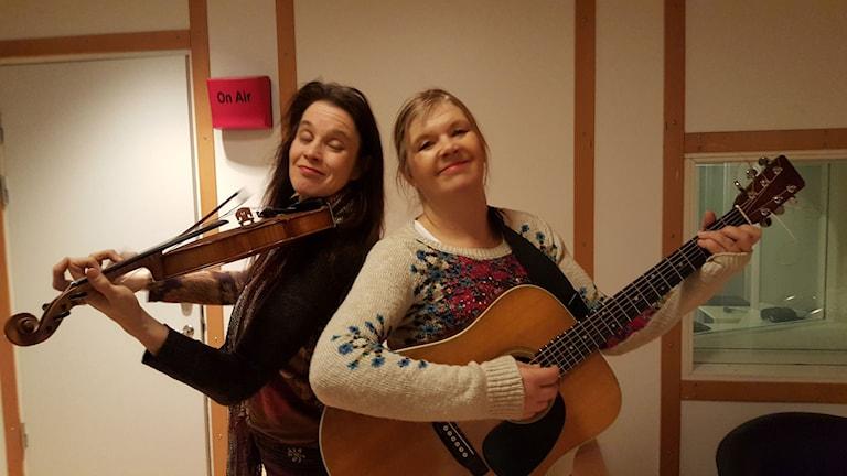 Musikerna Sara Edin och Cecilia Klingspor gästar P1-morgon. Foto: Lena Wiktorin/Sveriges Radio