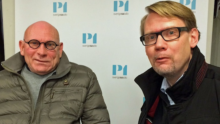 Pelle Kölhed, vice ordförande Handikappförbunden, och Stefan Lundin, chefsjurist på Visita, branschorganisationen för besöksnäringen. Foto: Helena Ulander/Sveriges Radio.