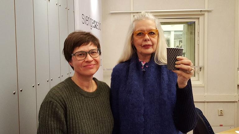 Cecilia Strömberg, programledare och Marianne Lindberg de Geer, chef för Konst & Design på Kulturhuset Stadsteatern i Stockholm. Foto: Lena Wiktorin/Sveriges Radio