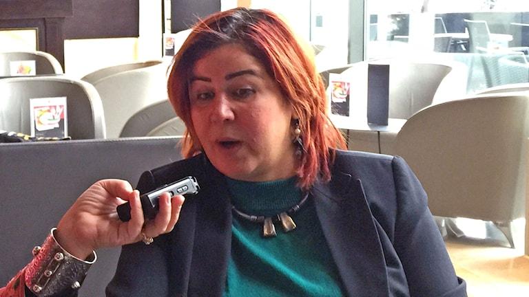 Professor Amel Grami - som hamnat i blåsväder o hotats o attackerats i Tunisien efter uttalanden till försvar för homosexuellas rättigheter. Foto: Sveriges Radio